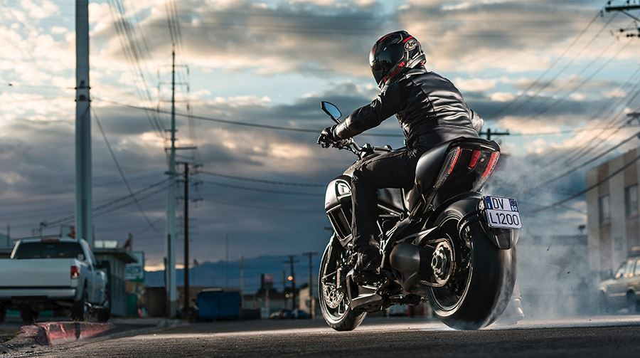 Choose the best riding gear